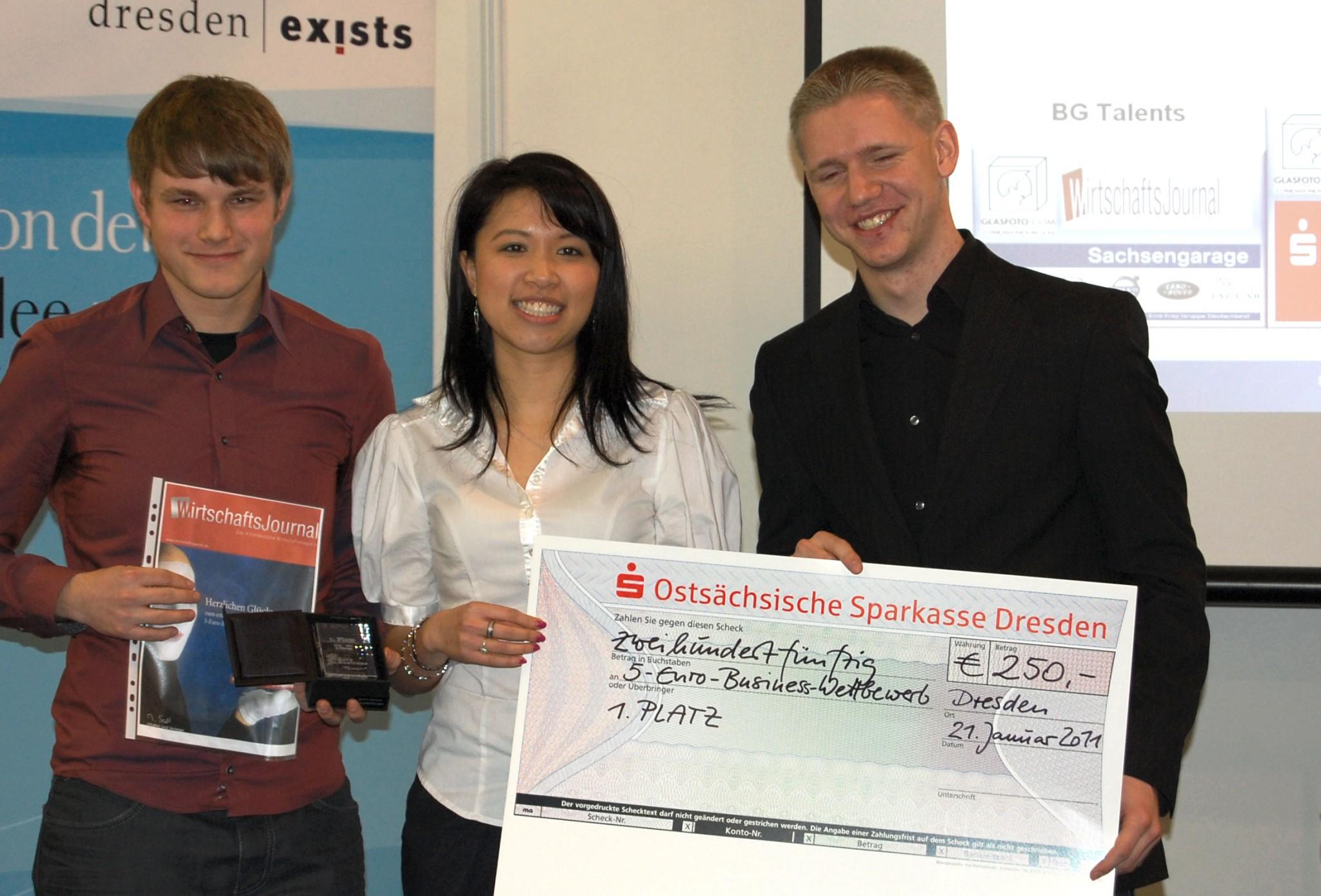 Das Team DigiProf gewinnt den 5-Euro-Business Wettbewerb