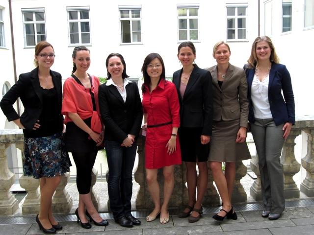 Barbara Sarx-Lohse (2. v.r.) mit den anderen Gewinnerinnen des Gründerinnen-Mentorings der HVB