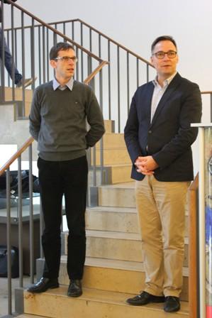 Dr. Frank Pankotsch (li.) und Dr. Achim Bonte eröffnen die Ausstellung im Foyer der SLUB.
