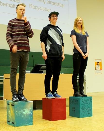 """Überzeugend präsentiert: Platz 1 geht an das Team """"Stick`n`Sit"""". (Foto: TU Dresden, LEI)"""