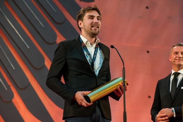 Dénes Honus, Mitgründer und CEO von Green City Solutions, bei der Preisverleihung. (Foto: PlusX Award)