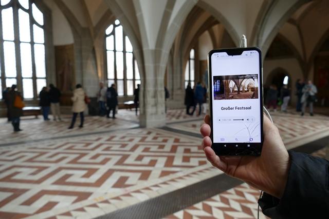 Großer Festsaal der Albrechtsburg Meißen: der Audioguide in Verständlicher Sprache im Test (Foto: dresden|exists)