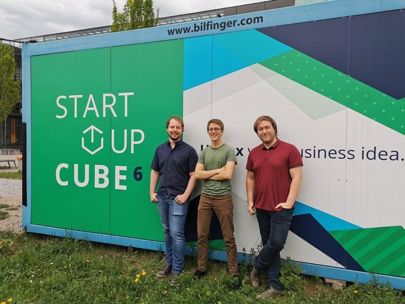 Vor dem Startup Cube: Tim Schmittmann, Sebastian Riechert und Markus Badstübner (v.l.n.r.)
